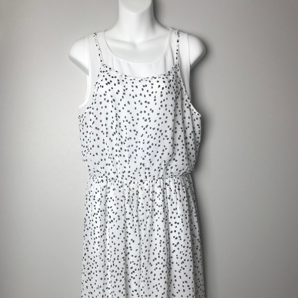 Kensie Dresses White And Black Calf Length Dress Size Med Poshmark